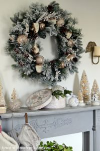 Simple Country Style Christmas Mantel