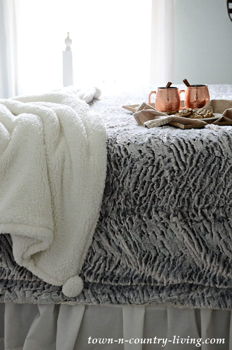 Super Soft Sherpa Pom Pom Throw