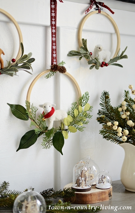 How to Make Embroidery Hoop Christmas Wreaths