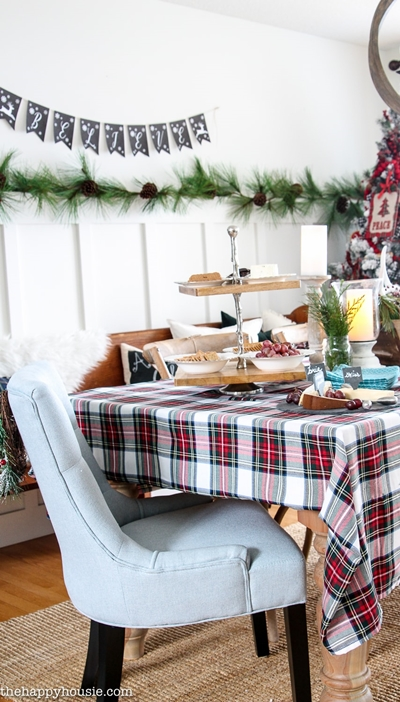 Christmas Table Setting by The Happy Housie