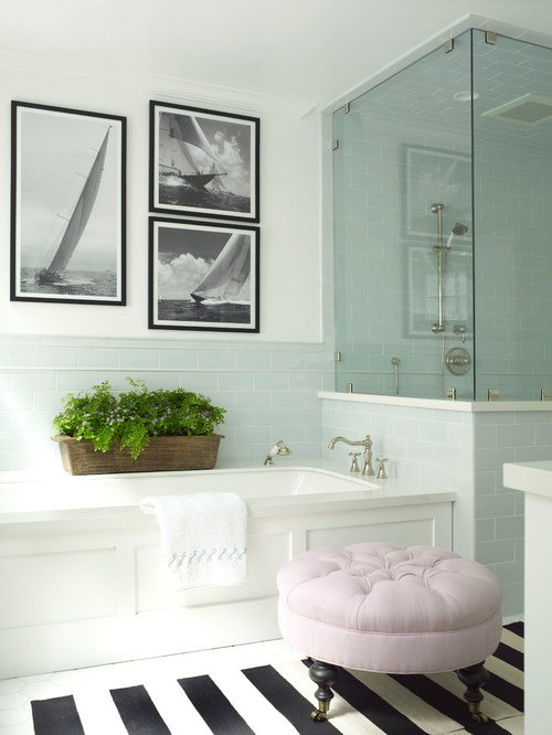 Coastal Style Bathroom in Blue and White