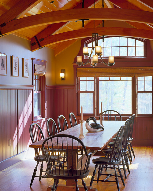 Warm and Cozy Dining Room with Farmhouse Country Style