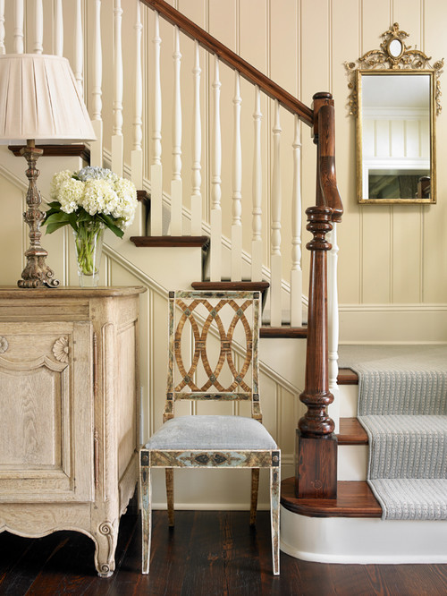 Traditional Two-Tone Stairway