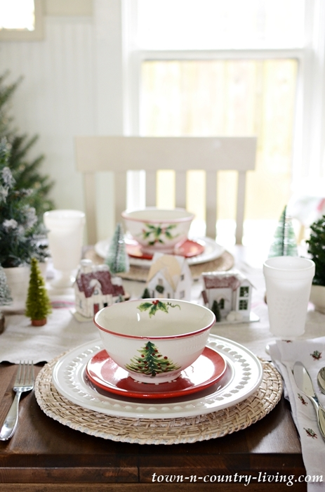 Christmas Table Setting with Christmas Tree Plates