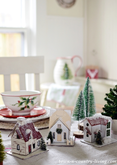 Christmas Breakfast Nook with Holiday Table Setting