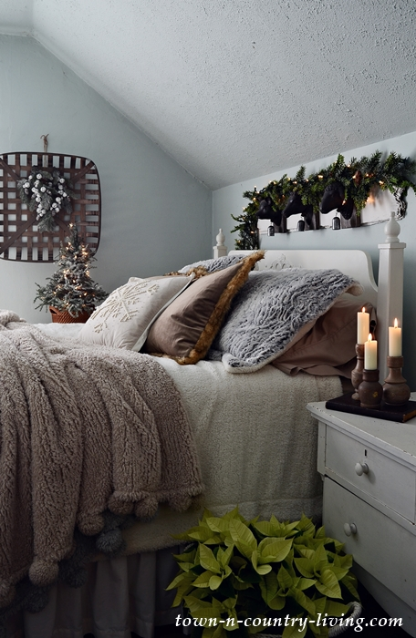 Country Style Bedroom. Nighttime Christmas Tour