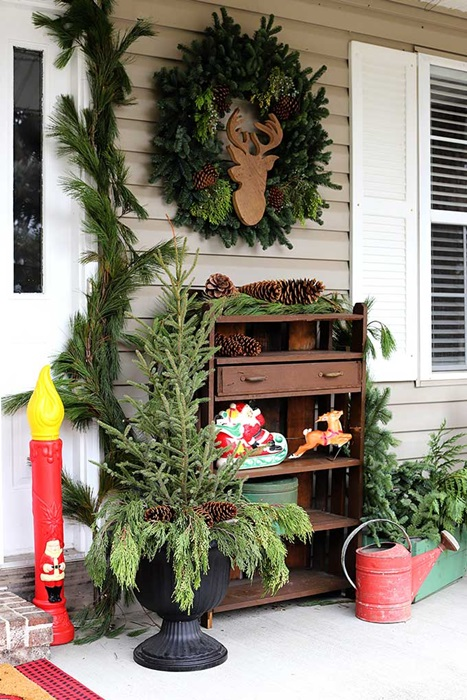 Christmas Porch Decor by House of Hawthornes