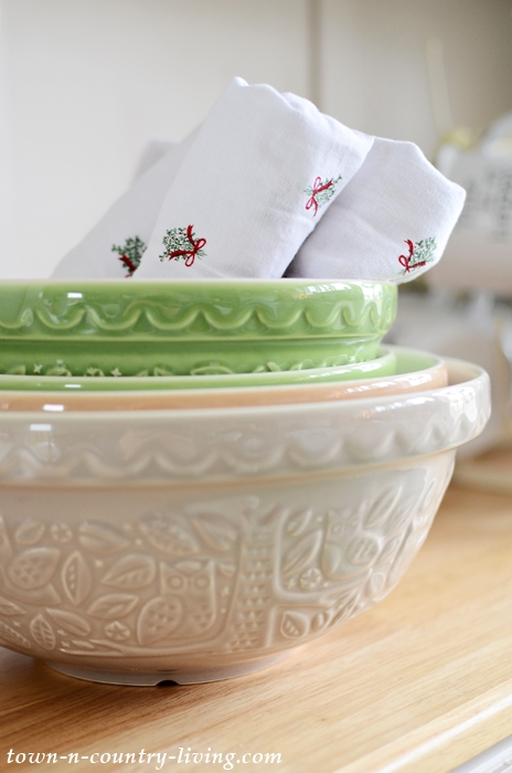 Mason Cash Bowls with Christmas Napkins