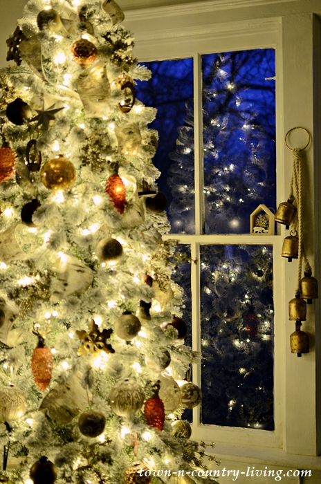 Nighttime Country Style Christmas Tour