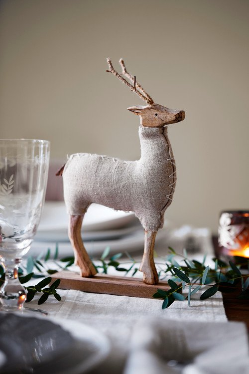 DIY Reindeer for Christmas Centerpiece