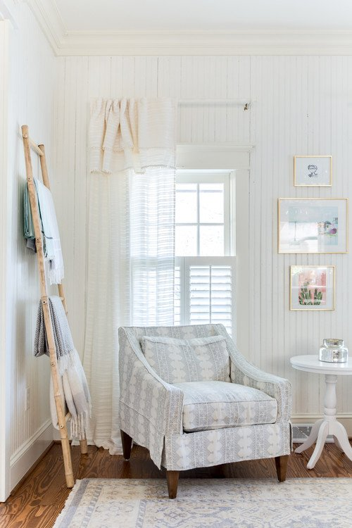 Cozy Reading Corner in Farmhouse Style