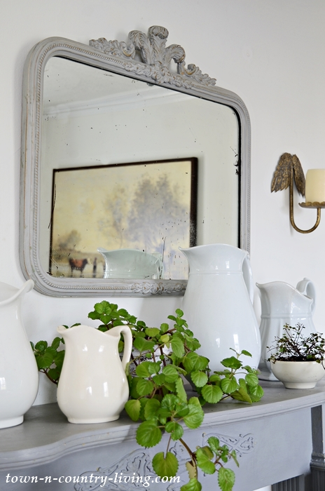 Gray Transitional Mantel from Winter to Spring