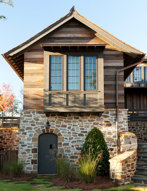 Rustic Wood and Stone Cottage on the Lake