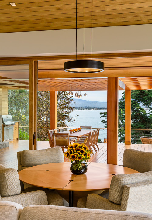 Dining Room with Lakefront View