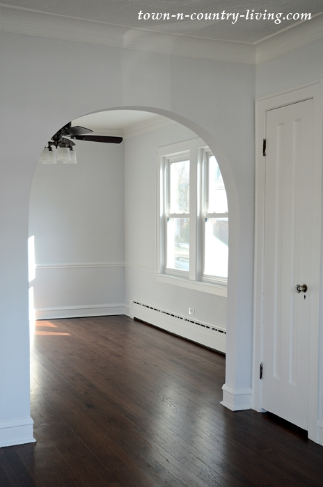 Arched Doorway in Dining Room