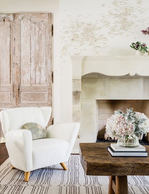 Romantic White and Cream Vintage Living Room