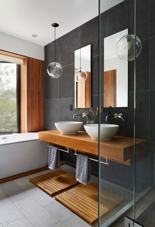 Contemporary Bathroom in Wood and Tile