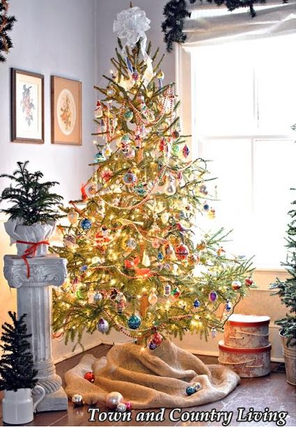 Vintage Style Christmas Tree