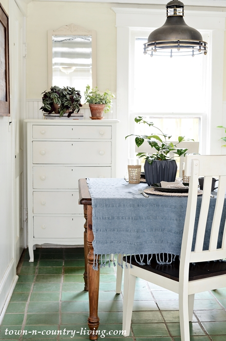Scandinavian Influenced Breakfast Nook