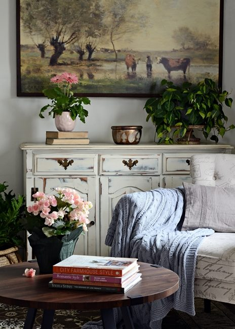 Earth Tones and Organic Appeal in a Modern Country Home Tour - Spring Edition
