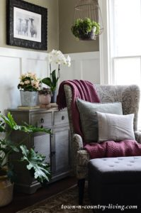 Create a Welcoming Entryway: Cozy Living