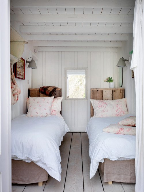 Scandinavian Style Bedroom with Twin Beds