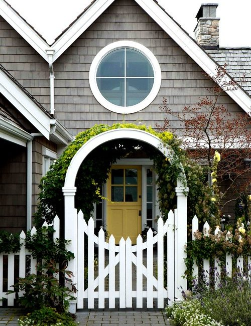 Victorian Style Picket Fence with Circular Arbor