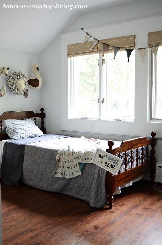 Country Style Boys Bedroom in Neutral Tones
