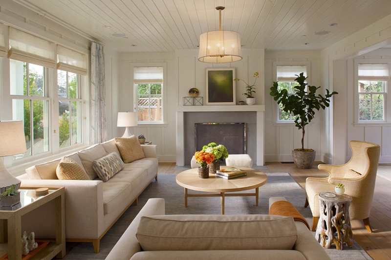 Modern Farmhouse Living Room in Neutral Tones
