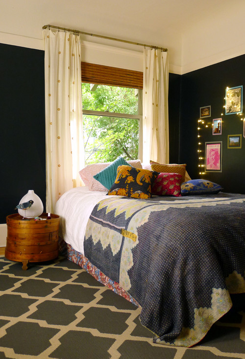 Boho Chic Bedroom in Dark Colors