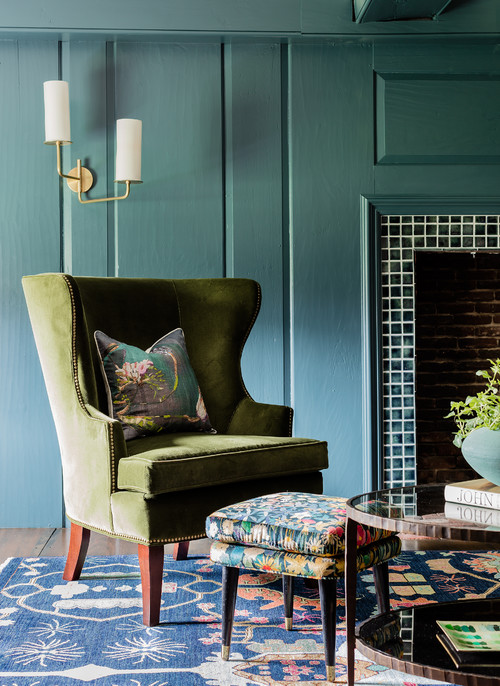Historic Living Room in Dark Green and Blue