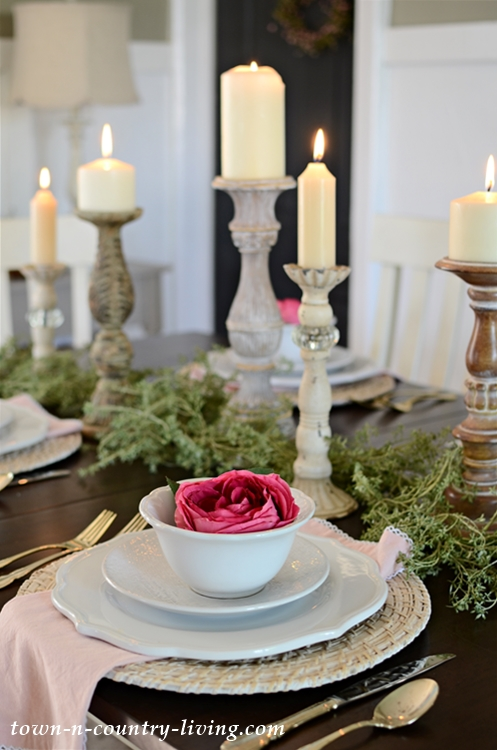 White Plates and Pink Napkins for Summer Table Setting