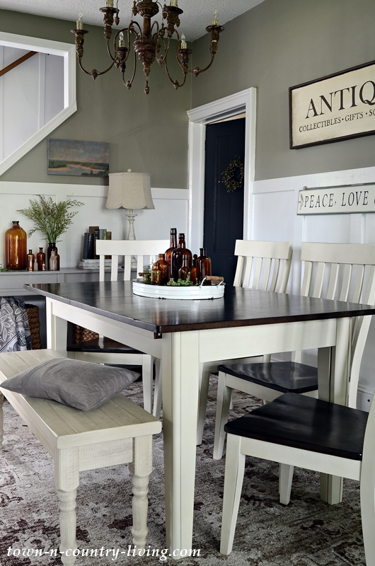 Summer Neutrals in a Country Style Dining Room