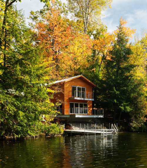 Modern Cabin on the Lake