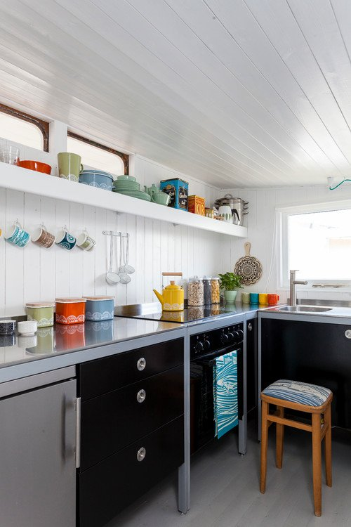Colorful Vintage Collectibles in a Scandinavian Kitchen