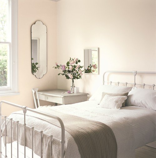 White Shabby Chic Bedroom with Metal Bed