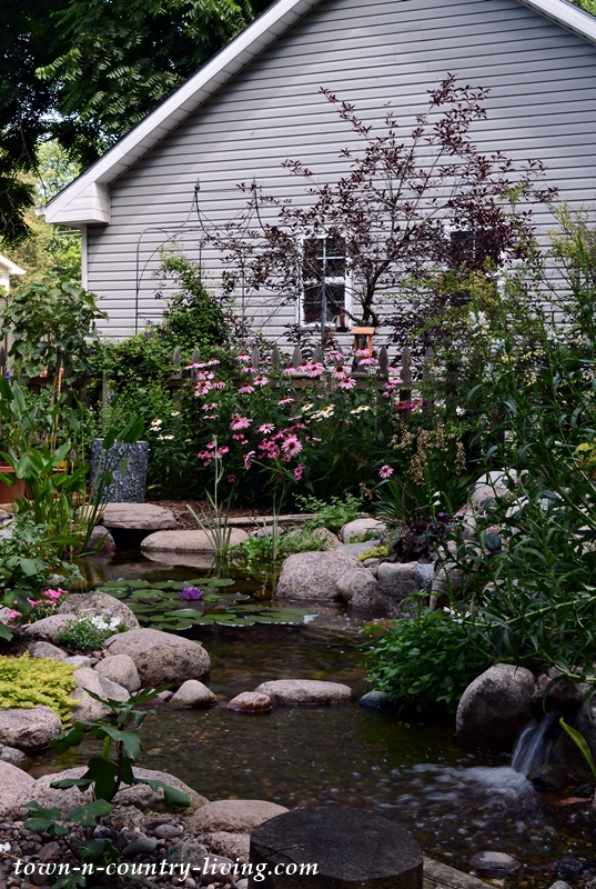 Backyard Koi Pond by Aquascape
