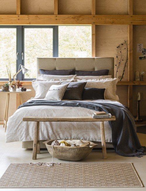 Scandinavian Bedroom in Neutral Colors