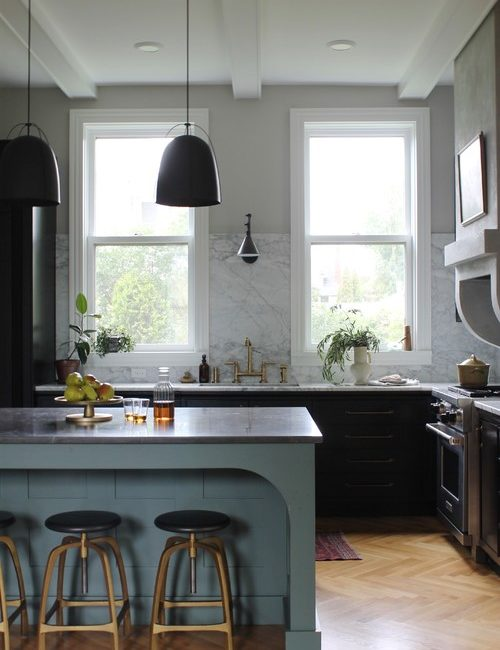 Country Kitchen in Rich Neutral Tones