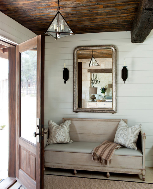 Inspiring Entryway with Rustic Farmhouse Style