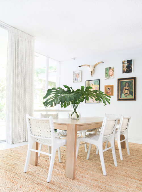 Monstera Leaf Centerpiece on Dining Room Table