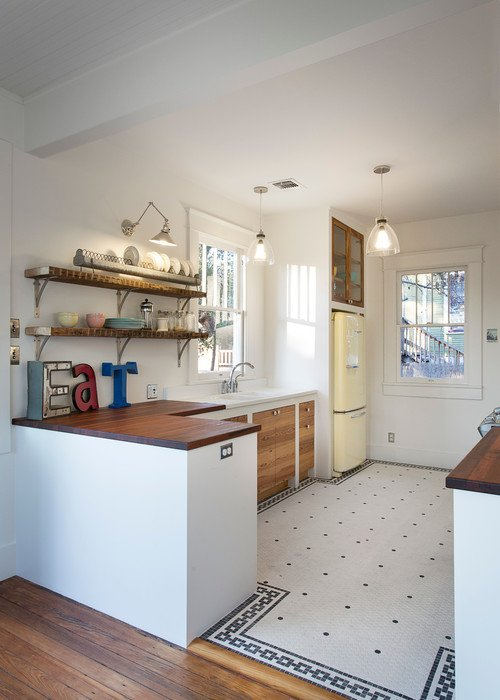 Small Space Vintage Farmhouse Kitchen