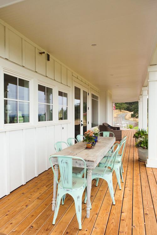 Outdoor Dining on Farmhouse Porch