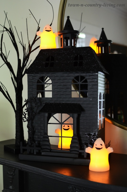 Halloween Decorating Ideas - Haunted House Mantel