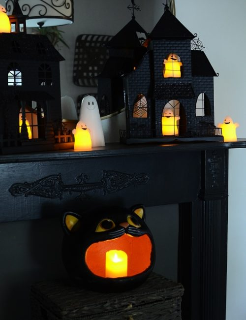 Haunted House Halloween Vignette