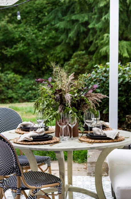 Outdoor Dining by Zevy Joy