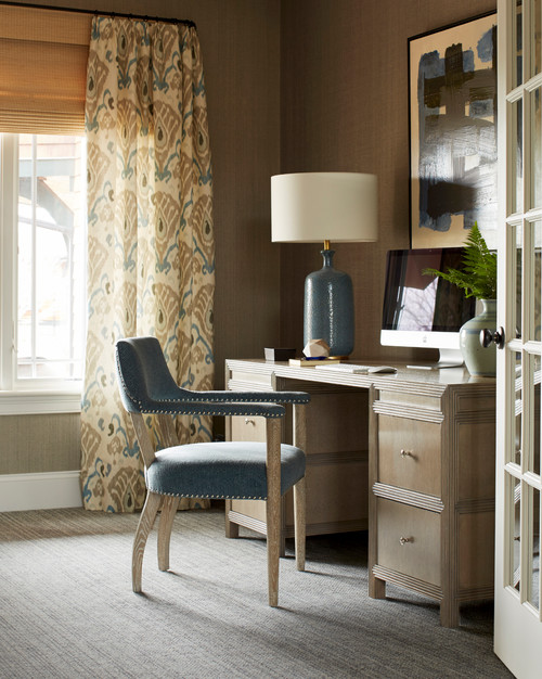 Small Traditional Style Office