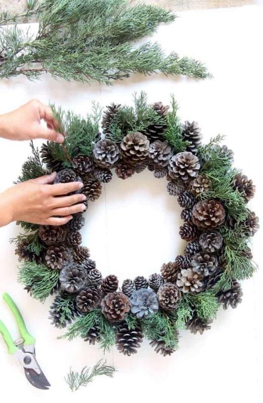 DIY Pinecone Wreath - A Piece of Rainbow
