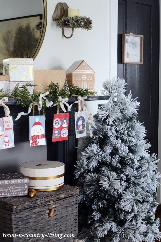 Easy Holiday Decorating - Christmas Mantel