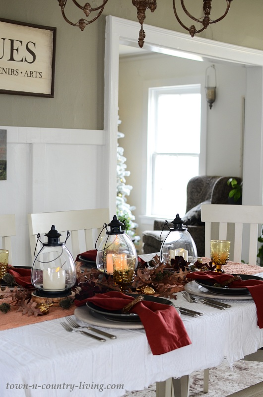 Lantern Fall Centerpiece 19 Table Setting Ideas Town Country Living
